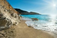 Κρυστάλλινα τα νερά-και με τη βούλα!-στις ελληνικές παραλίες