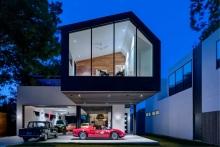 Το καταπληκτικό σπίτι ενός συλλέκτη πανάκριβων vintage αυτοκίνητων (εικόνες)