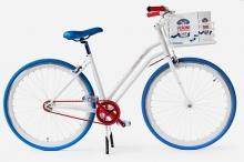 Ένα στιλάτο ποδήλατο βγαλμένο από την Dolce Vita του Fellini