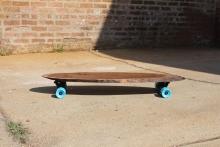 Έπιπλα ή skateboards;