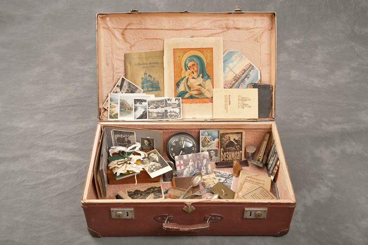 Jon Crispin Willard Suitcases 14