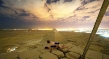 Σάλο προκάλεσε ζευγάρι που έκανε σεξ στην κορυφή πυραμίδας