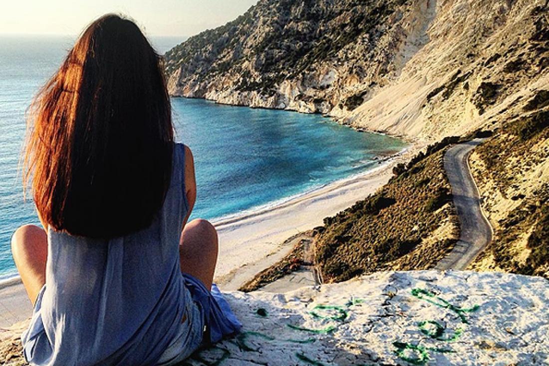Πώς να περάσουμε και μόνοι μας καλά και μάλιστα στις... διακοπές μας! ac4fd45ce40